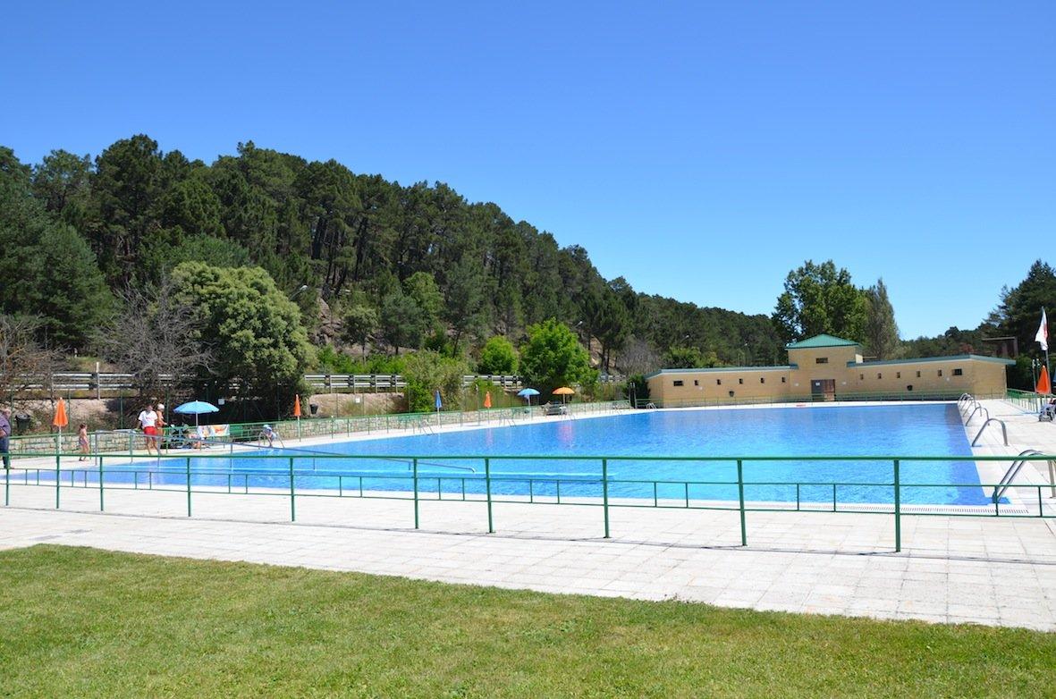 La mayor a de las piscinas de pinares abrir n el d a 1 de for Piscinas san agustin burgos